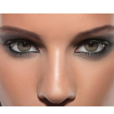 maquillage sombre yeux vert